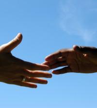 Hände reichen